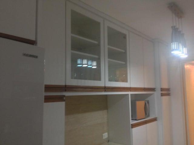 Apartamento Distrito Metropolitano>Caracas>Los Palos Grandes - Venta:130.000 Precio Referencial - codigo: 19-7363