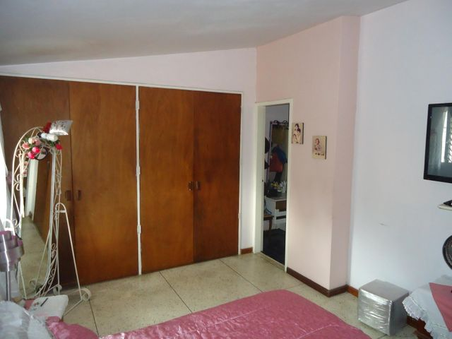 Casa Miranda>San Antonio de los Altos>El Carrizal - Venta:75.000 Precio Referencial - codigo: 19-7405