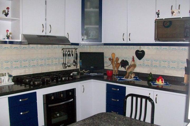 Apartamento Miranda>San Antonio de los Altos>Los Salias - Venta:55.000 Precio Referencial - codigo: 19-7384