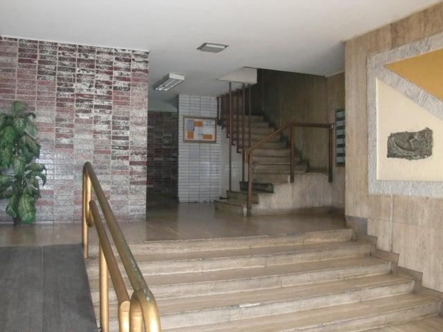 Local Comercial Distrito Metropolitano>Caracas>Los Ruices - Venta:40.000 Precio Referencial - codigo: 19-7470