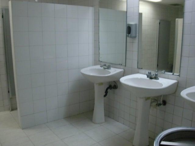 Local Comercial Miranda>Guarenas>Las Islas - Venta:8.000 Precio Referencial - codigo: 19-7493