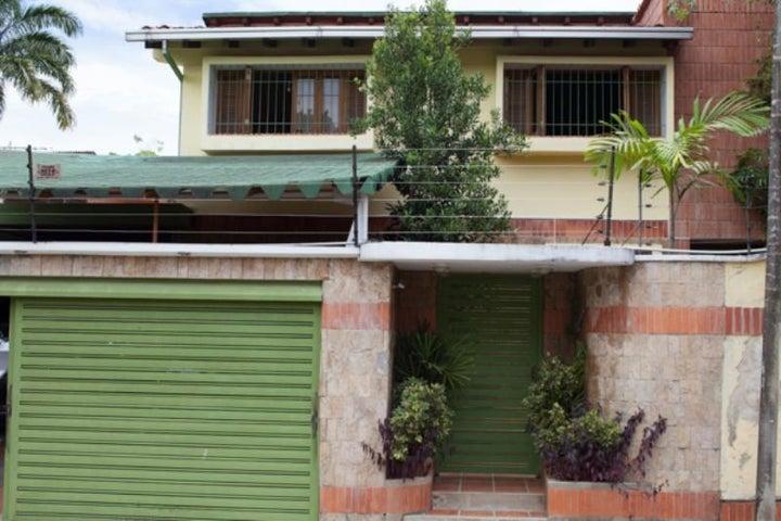 Casa Distrito Metropolitano>Caracas>La Lagunita Country Club - Venta:350.000 Precio Referencial - codigo: 19-7496