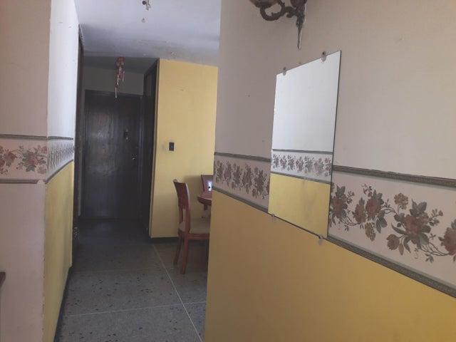 Casa Zulia>Maracaibo>Rosaleda - Venta:10.500 Precio Referencial - codigo: 19-7522