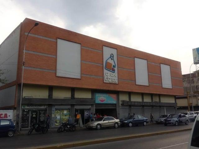 Local Comercial Aragua>Maracay>Avenida Bolivar - Venta:2.500 Precio Referencial - codigo: 19-7530