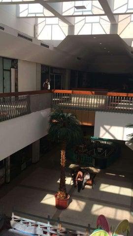 Local Comercial Distrito Metropolitano>Caracas>Chuao - Venta:1.500.000 Precio Referencial - codigo: 19-7537