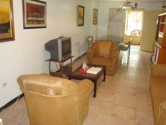 Apartamento Distrito Metropolitano>Caracas>Caricuao - Venta:18.000 Precio Referencial - codigo: 19-7273