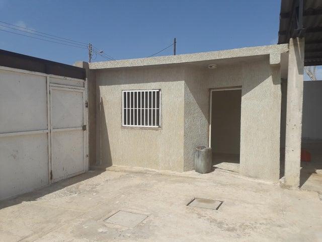 Galpon - Deposito Falcon>Punto Fijo>Puerta Maraven - Venta:90.000 Precio Referencial - codigo: 19-7573
