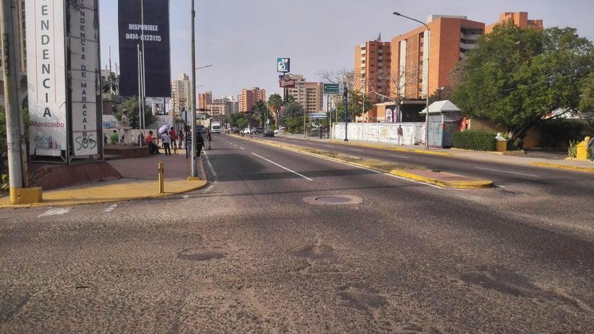 Terreno Zulia>Maracaibo>Avenida Bella Vista - Venta:600.000 Precio Referencial - codigo: 19-7589