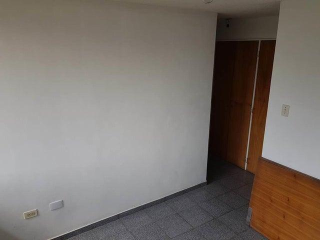 Apartamento Distrito Metropolitano>Caracas>Montalban I - Venta:32.000 Precio Referencial - codigo: 19-7598