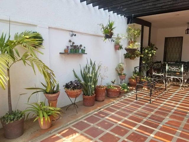 Casa Zulia>Cabimas>Concordia - Venta:20.000 Precio Referencial - codigo: 19-6537