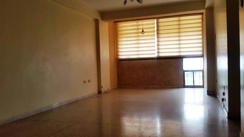Apartamento Aragua>Maracay>Urbanizacion El Centro - Venta:18.000 Precio Referencial - codigo: 19-7615