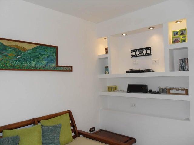 Apartamento Falcon>Tucacas>Tucacas - Venta:28.000 Precio Referencial - codigo: 19-7639
