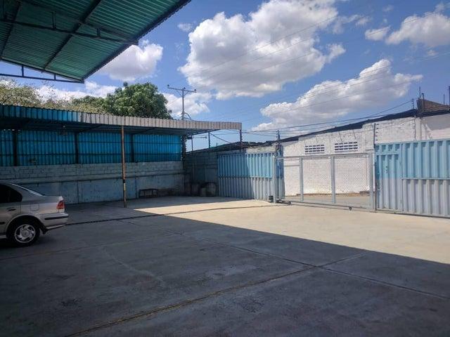 Local Comercial Aragua>Cagua>Carretera Nacional - Venta:200.000 Precio Referencial - codigo: 19-7674