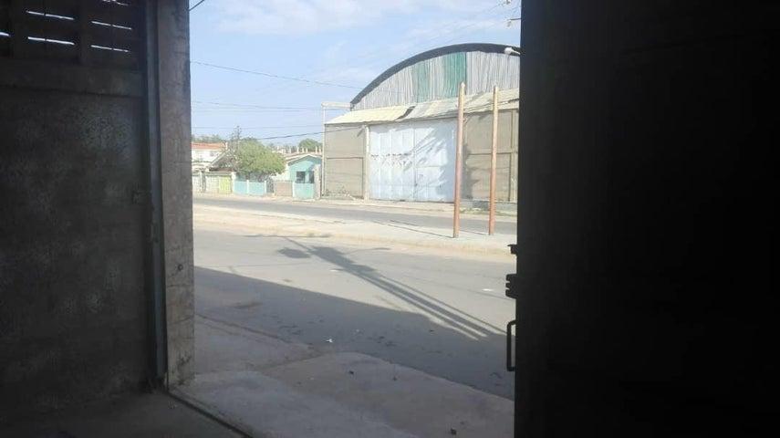 Galpon - Deposito Zulia>Maracaibo>Avenida Milagro Norte - Alquiler:400 Precio Referencial - codigo: 19-7649