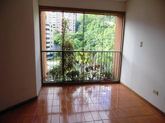 Apartamento Distrito Metropolitano>Caracas>La Alameda - Alquiler:350 Precio Referencial - codigo: 19-8734