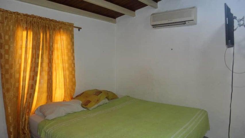 Casa Portuguesa>Araure>Llano Alto - Venta:35.000 Precio Referencial - codigo: 19-7694