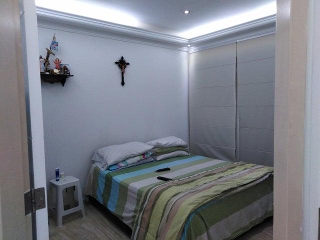 Apartamento Distrito Metropolitano>Caracas>San Bernardino - Venta:41.000 Precio Referencial - codigo: 19-7849