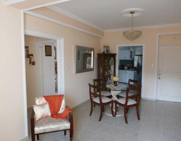 Apartamento Carabobo>Valencia>El Parral - Venta:60.000 Precio Referencial - codigo: 19-7840