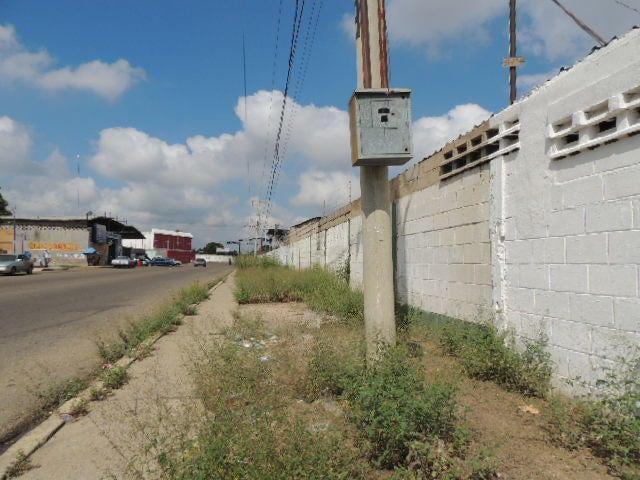 Galpon - Deposito Zulia>Maracaibo>Carretera a Perija - Alquiler:550 Precio Referencial - codigo: 19-7750