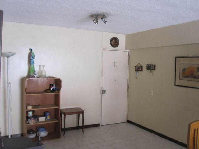 Apartamento Distrito Metropolitano>Caracas>El Paraiso - Venta:30.000 Precio Referencial - codigo: 19-7831