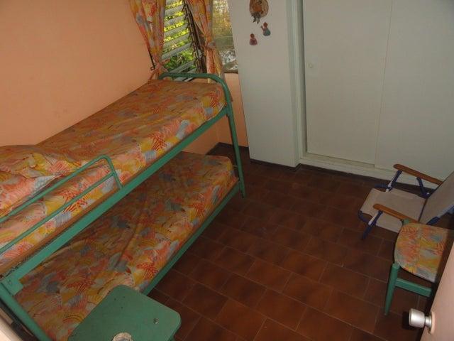 Apartamento Miranda>Higuerote>Carenero - Venta:15.000 Precio Referencial - codigo: 19-7798