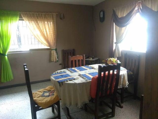 Casa Lara>Barquisimeto>Parroquia Concepcion - Venta:35.000 Precio Referencial - codigo: 19-7797
