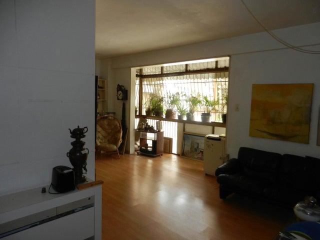 Apartamento Distrito Metropolitano>Caracas>Los Palos Grandes - Venta:55.000 Precio Referencial - codigo: 19-7802
