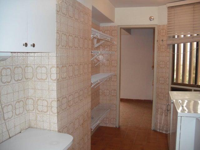 Apartamento Distrito Metropolitano>Caracas>Los Palos Grandes - Venta:70.000 Precio Referencial - codigo: 19-7957