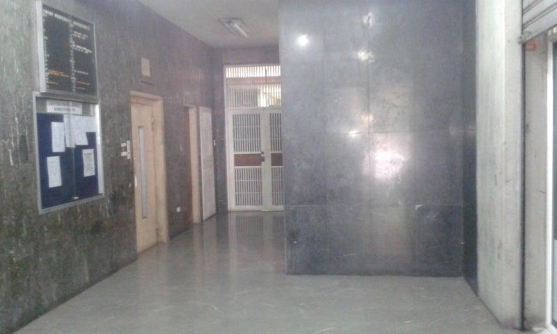 Local Comercial Lara>Barquisimeto>Centro - Alquiler:100 Precio Referencial - codigo: 19-7869