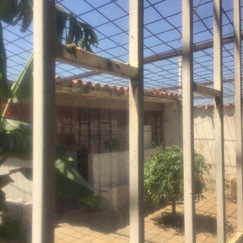 Casa Anzoategui>Barcelona>La Fundacion - Venta:26.000 Precio Referencial - codigo: 19-7881