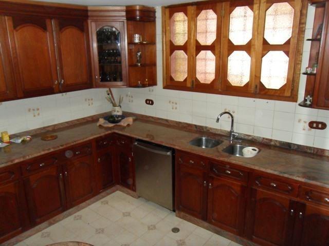 Casa Lara>Barquisimeto>Santa Elena - Venta:200.000 Precio Referencial - codigo: 19-7888