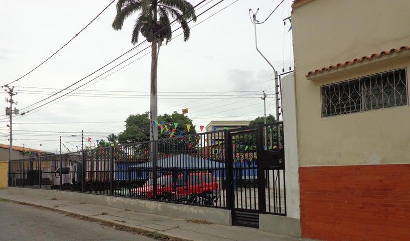 Terreno Lara>Barquisimeto>Parroquia Concepcion - Venta:30.000 Precio Referencial - codigo: 19-7889