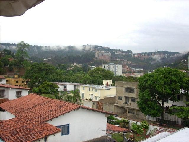 Casa Distrito Metropolitano>Caracas>El Cafetal - Venta:230.000 Precio Referencial - codigo: 19-7896