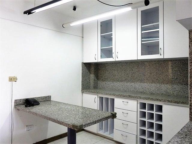 Apartamento Distrito Metropolitano>Caracas>Los Dos Caminos - Venta:138.000 Precio Referencial - codigo: 19-7897