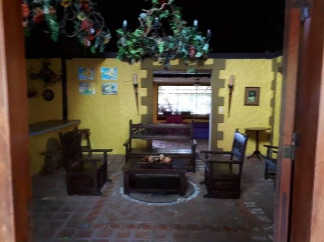 Casa Lara>Cabudare>Parroquia Agua Viva - Venta:250.000 Precio Referencial - codigo: 19-7900