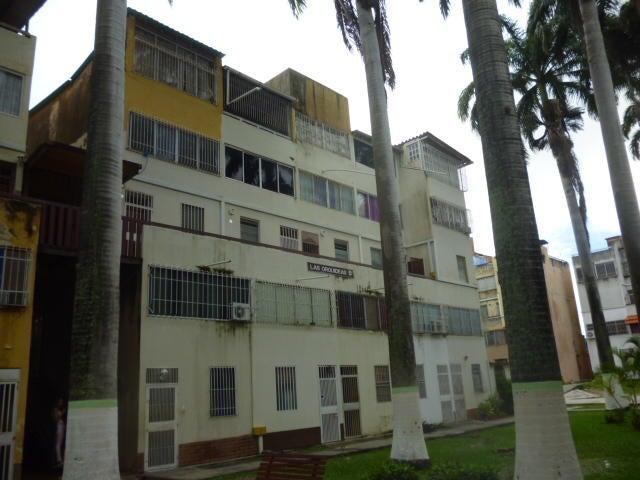Apartamento Lara>Cabudare>Almarriera - Venta:8.000 Precio Referencial - codigo: 19-7912