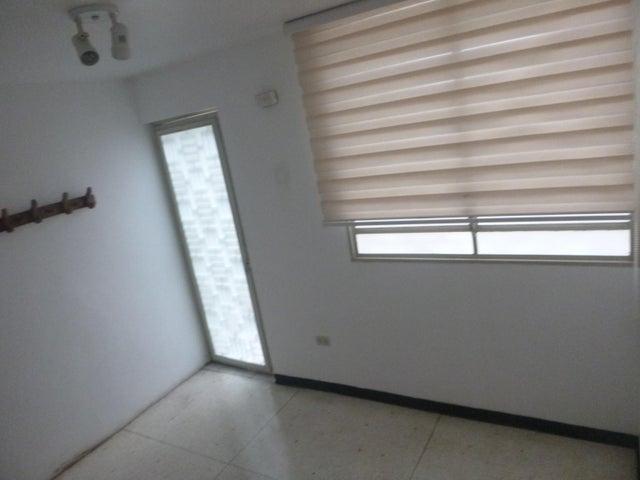Oficina Distrito Metropolitano>Caracas>Colinas de Bello Monte - Alquiler:100 Precio Referencial - codigo: 19-7921