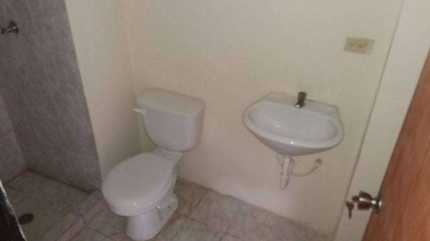 Apartamento Carabobo>Municipio Los Guayos>Paraparal - Venta:6.500 Precio Referencial - codigo: 19-7925