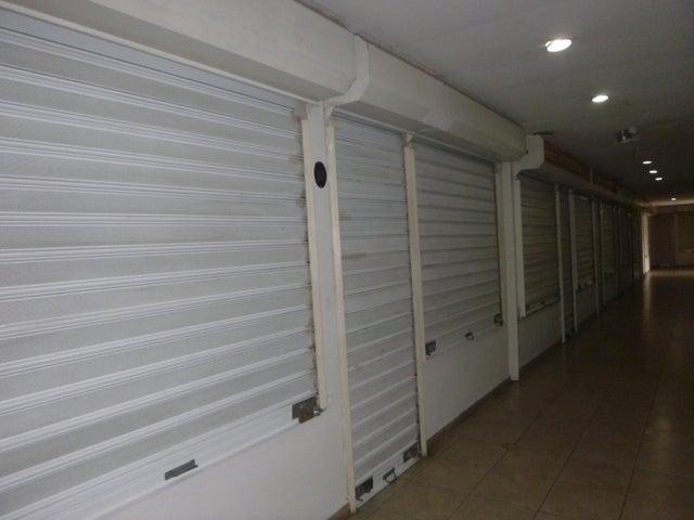 Local Comercial Miranda>Guatire>Villa Avila - Alquiler:500 Precio Referencial - codigo: 19-7926
