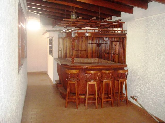 Casa Distrito Metropolitano>Caracas>Los Naranjos del Cafetal - Venta:300.000 Precio Referencial - codigo: 19-7936