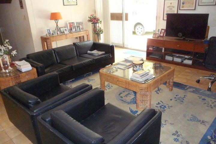 Casa Distrito Metropolitano>Caracas>Los Chorros - Venta:450.000 Precio Referencial - codigo: 19-7947