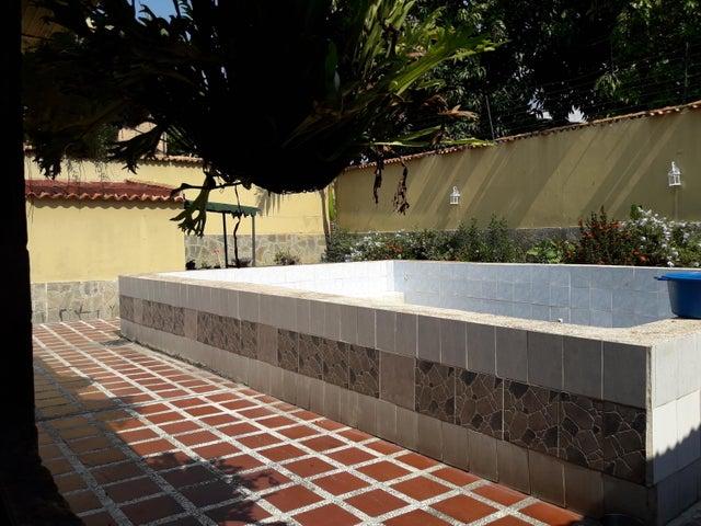 Casa Aragua>Maracay>La Cooperativa - Venta:34.500 Precio Referencial - codigo: 19-7954