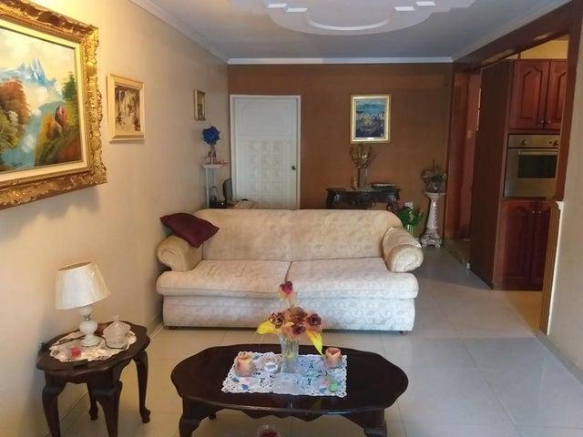 Townhouse Zulia>Cabimas>Las 40 - Venta:40.000 Precio Referencial - codigo: 19-8031