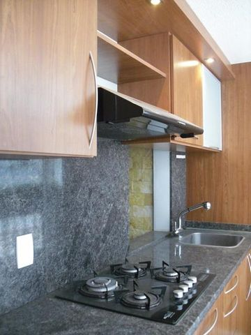 Apartamento Distrito Metropolitano>Caracas>Baruta - Venta:20.000 Precio Referencial - codigo: 19-8025