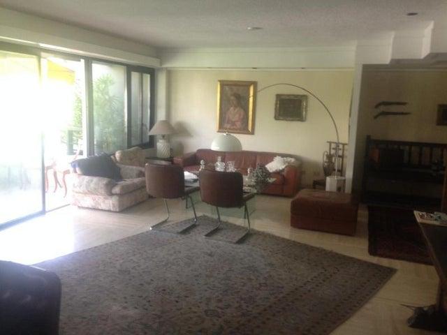 Apartamento Distrito Metropolitano>Caracas>Altamira - Venta:200.000 Precio Referencial - codigo: 19-8043