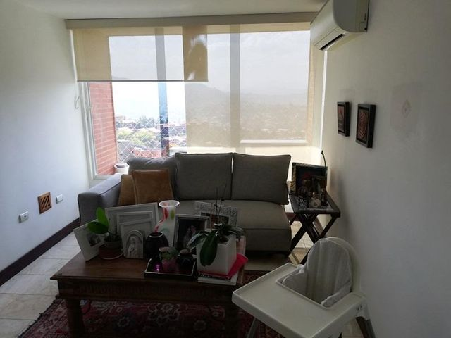 Apartamento Distrito Metropolitano>Caracas>Colinas de La Tahona - Venta:110.000 Precio Referencial - codigo: 19-8045