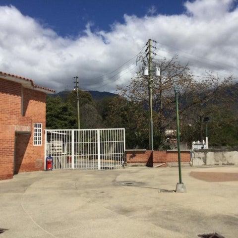 Townhouse Miranda>Guatire>Bonaventure Country - Venta:14.500 Precio Referencial - codigo: 19-8052