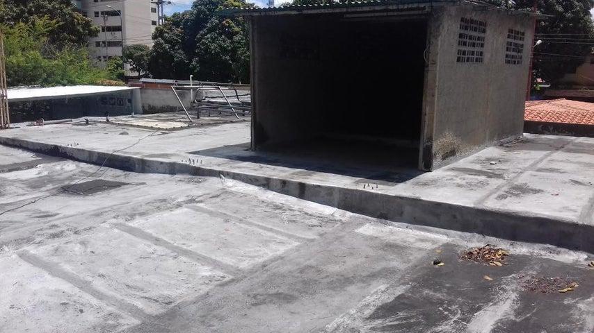 Casa Lara>Barquisimeto>Del Este - Venta:32.000 Precio Referencial - codigo: 19-8063