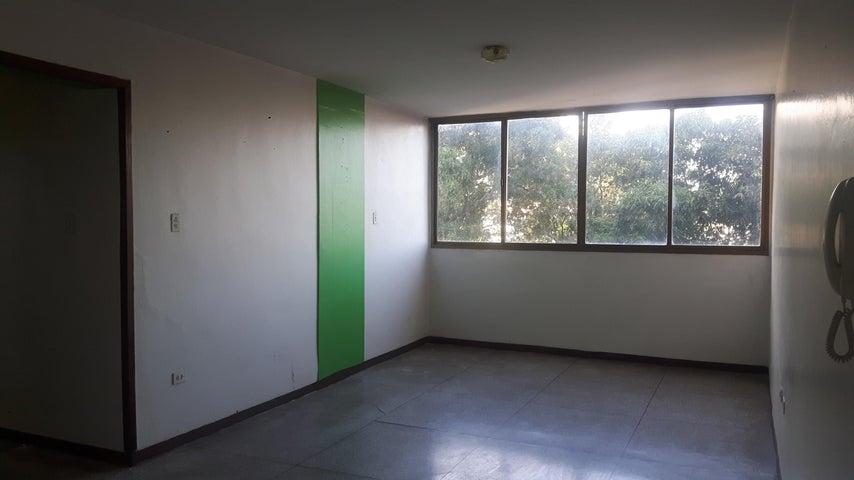 Apartamento Lara>Cabudare>La Mata - Venta:23.000 Precio Referencial - codigo: 19-8091