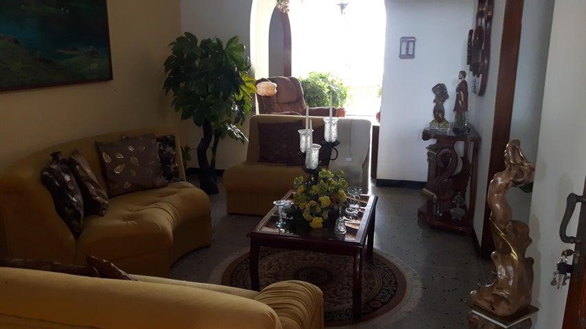 Casa Lara>Cabudare>Chucho Briceno - Venta:28.000 Precio Referencial - codigo: 19-8100
